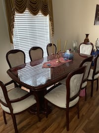 8 piece dining set Brampton, L6Y 4Y2