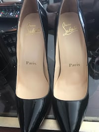 Gorgeous Laboutin Patent shoes Mississauga, L5V 1S3
