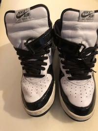 Nike Air Force 1 white and black patent  1 sz 10 Burnaby, V5G 3X4