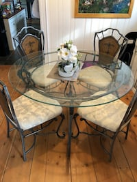 Glass top dining set with 4 chairs Hamilton, L8J 3N8