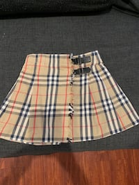 BURBERRY GIRLS SKIRT Great condition