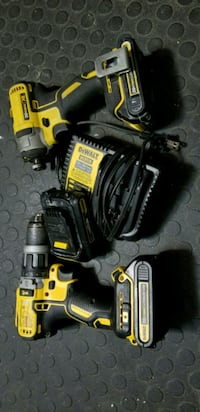 Dewalt brushless drill & impact with charger and 3 Brampton, L6V 3M7