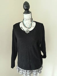 Knit sweater black. With necklace size L Toronto, M6L 2R7