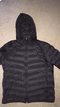 Uniqlo large bubble jacket