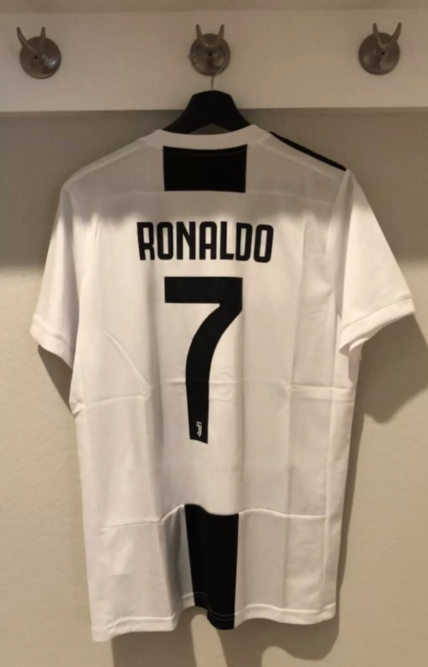 Used Ronaldo Juventus home jersey 18-19 for sale in Frisco - letgo 8eacb4be2