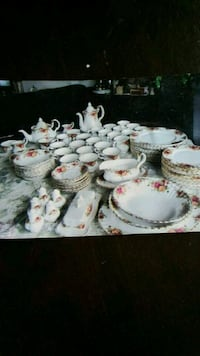 Royal Albert Collection Bone China London