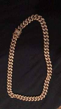 Gold-colored chain necklace Baltimore, 21229