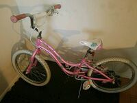 MUSTIC TREK pink and white bicycle 16 inch.  231 mi