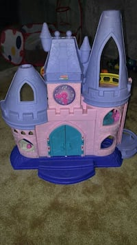pink and purple plastic castle toy Kitchener, N2R 0A3