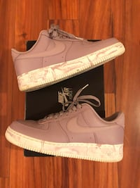 Air Force 1's  Arnold, 21012