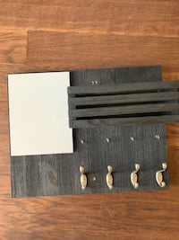 Black entryway w/ hooks and whiteboard Beltsville, 20705
