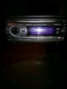 Sony Cd car deck with aux