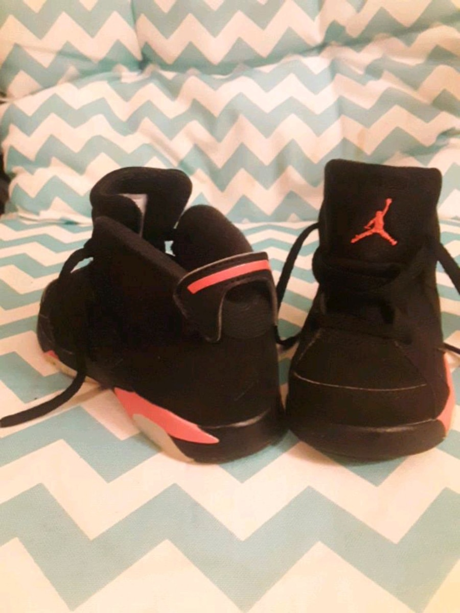 Photo Baby Jordan's! Size 7 girls