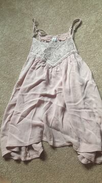 Never worn flowy summer top Oshawa, L1H
