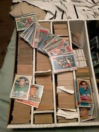 Huge box of over 1000 vintage football and baseball. 1950-70 Essex, 21221