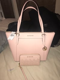 Michael Kors Pastel Pink Leather Tote and Leather Wallet/Phone Cartier Waco, 76710