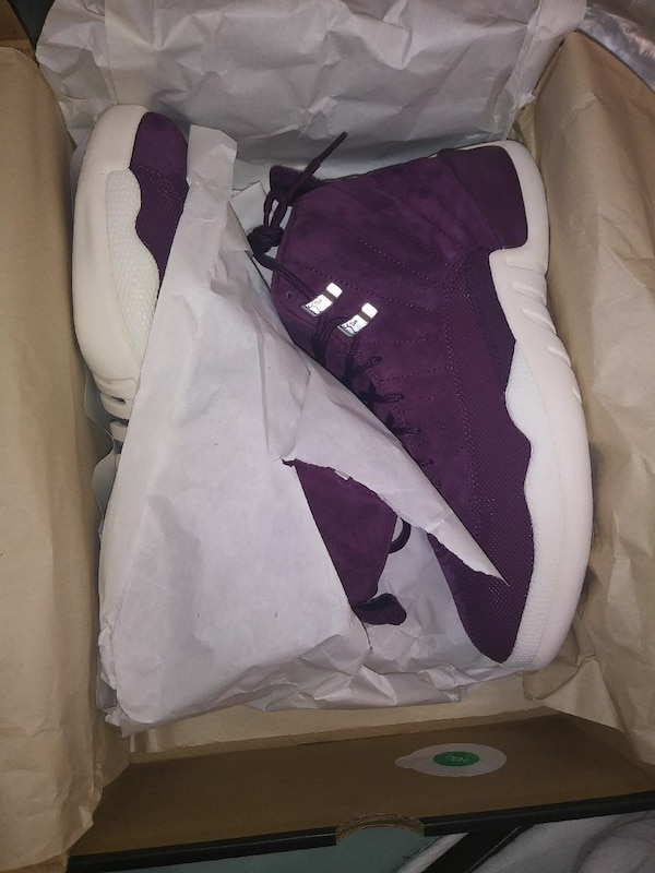 low priced 73b13 b5071 Purple and white swade 12s never worn