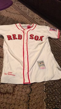 Youth xl Red Sox jersey  Burlington, L7M