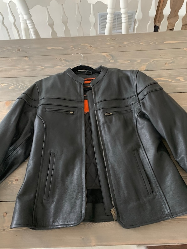 Xl women's leather jacket with lining. Mint condition