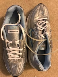 BRAND NEW NIKE WOMAN SNEAKERS SIZE 8 Medford, 08055