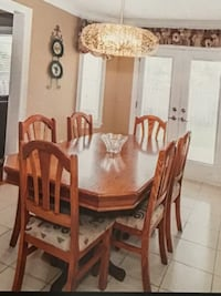 Kitchen Table and 6  chairs Vaughan, L4L 0B3
