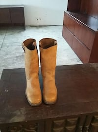 size 10 cowboy boots excellant condition Fort Wayne, 46804