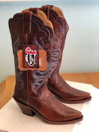 Justin Women's Boots size 5. Brand new! In box. Boots run a little big, they may fit a size 6! Washington, 84780