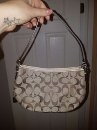 brown Coach monogram handbag Mississauga, L5N 2P3