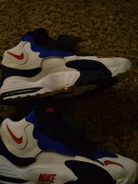 pair of white-and-blue Nike basketball shoes Columbus, 43206