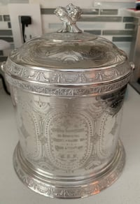 Antique biscuit tin Oakville, L6L 4X4