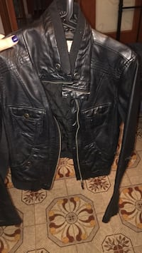 black leather zip-up jacket Montréal, H1R 3P8