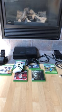 Xbox one bundle  Calgary, T3M 1G4