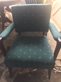 Upholstered chair - green Hamilton, L0R 1T0