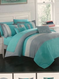 BNWT 10 pieces Queen comforter set
