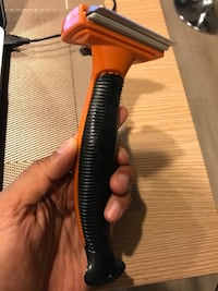Pet deshedding brush  San Diego, 92121