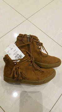 NEW Girls Size 13 Brown Suede Booties
