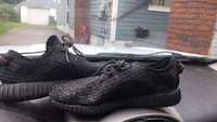 Yeezys shoes mint condition Youngstown, 44515