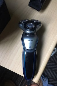 Phillips top of the line Shaver retail at 150$ Brantford, N3R 7Y9