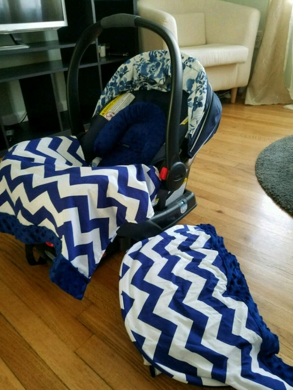 Graco Carseat with Base + Carseat Conopy
