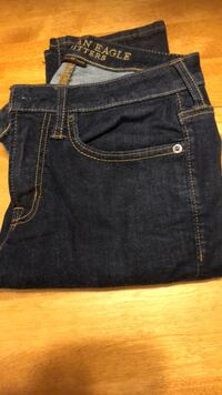 American eagle 28/30 skinny jeans  Conception Bay South, A1X 6M2