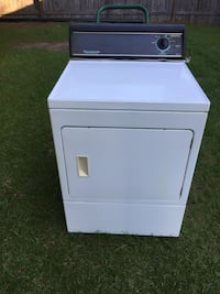 DRYER-GAS-By:AMANA HEAVY DUTY SUPER CAPACITY IN WORKING CONDITION  Hampstead