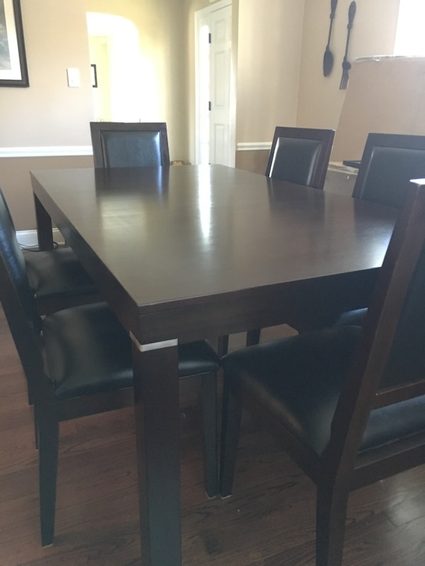 Dining Room Table 6 Chairs 54X 40 W O