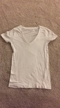 White V-Neck shirt Agoura Hills, 91301