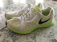 Woman's Nike Running Shoes 9 Eugene
