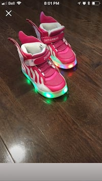 Girls light up shoes - size 9