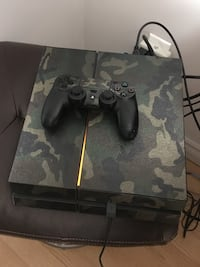 Sony ps4 console with controller Mascouche