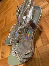 Heels (negotiable price) Laval
