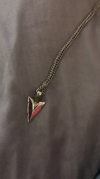 Silver arrowhead necklace