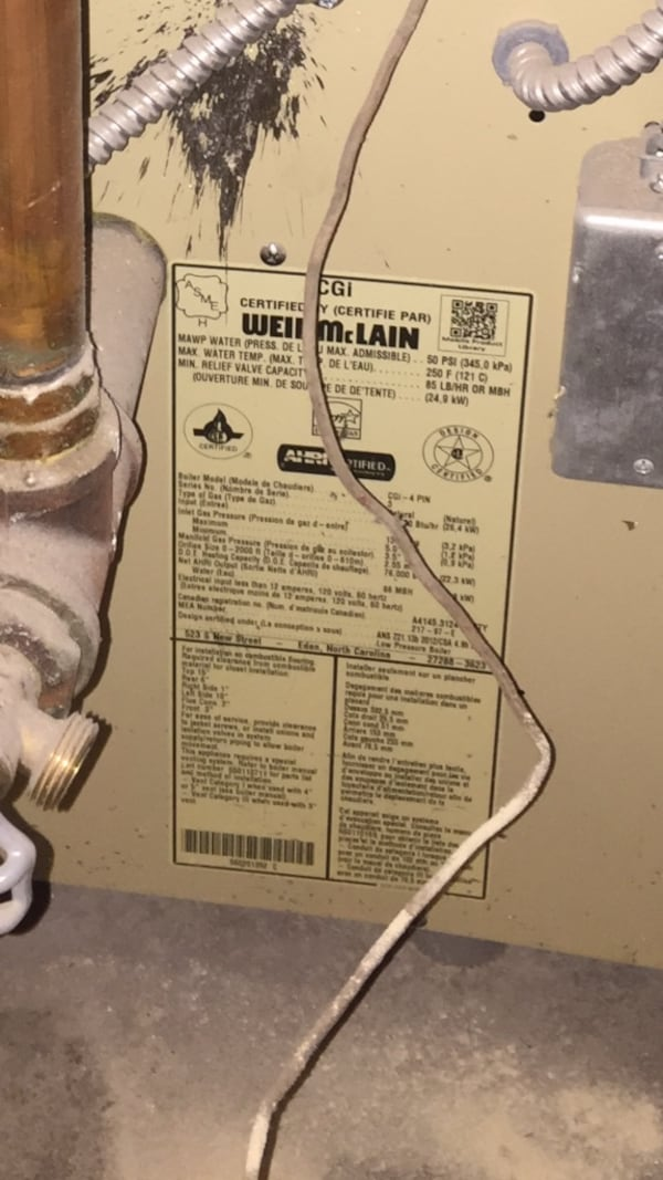 Weil-McLain  furnes In working conditions for only $300!!. 986ebc81-8933-43b4-9be6-d911168b64f5