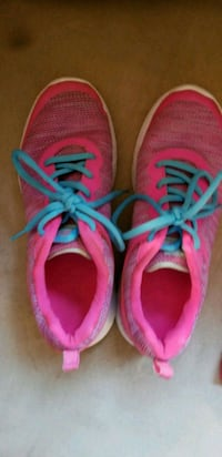 pair of pink-and-blue running shoes Robertsdale, 36567